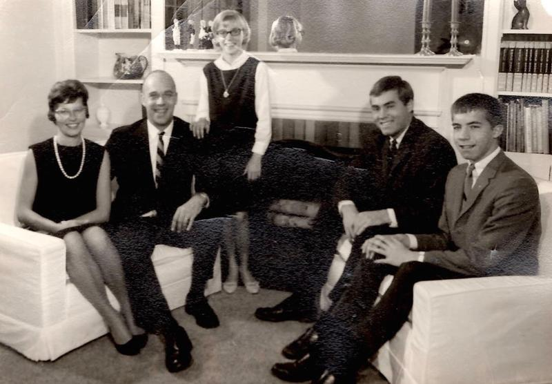 The Tholen family's Christmas card picture from 1966 – four years before Rick was killed. From left to right: Martha, Frederick II, Nancy, Rick and Dan Tholen.