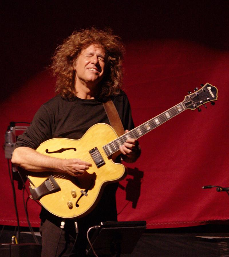 KC 254 - Guitar Week! Friday: Today, Matt Cochran has chosen us some music featuring the electric guitar, performed by Pat Metheny.