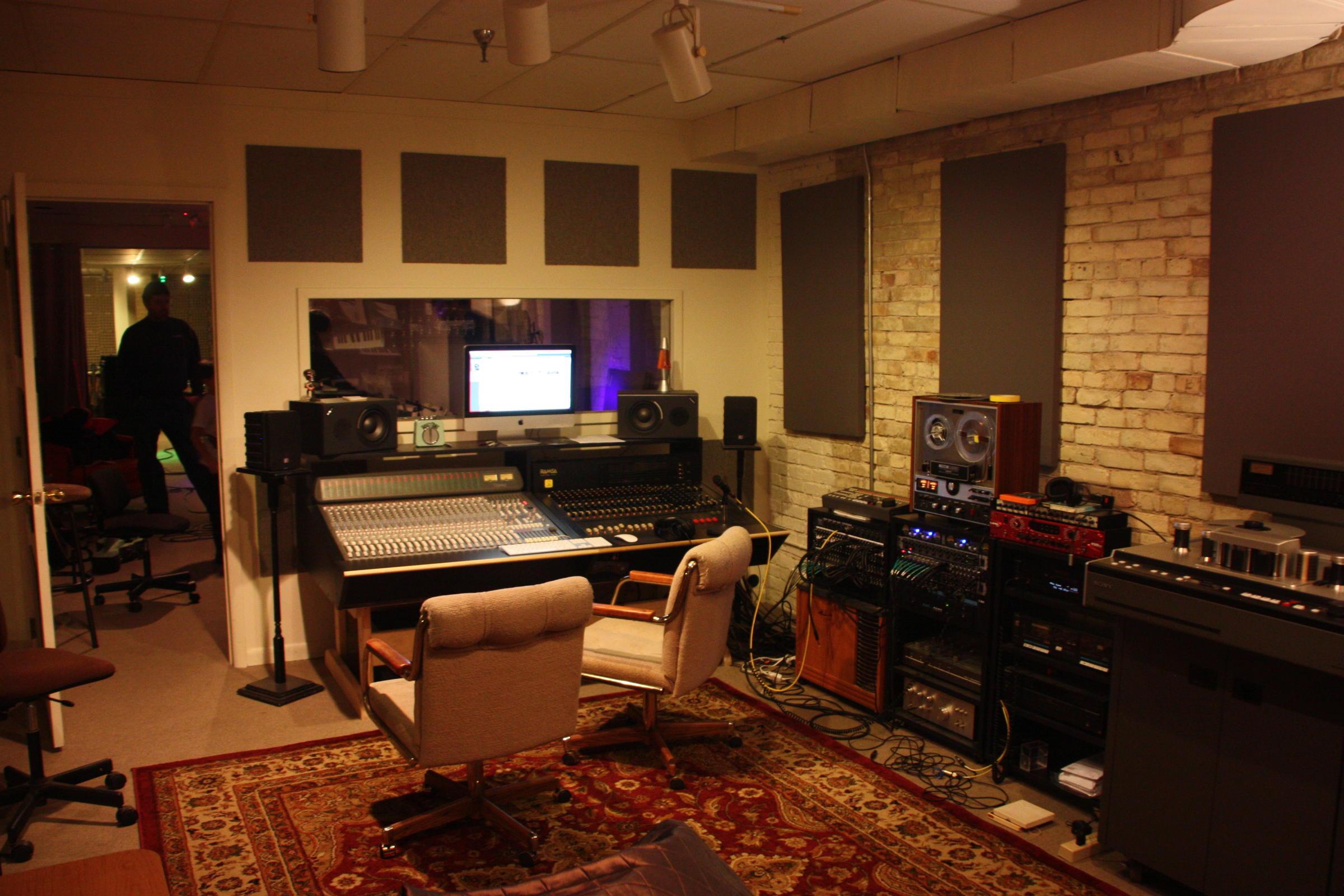 'Underground' Musicians Find A Home At Studio Anatomy