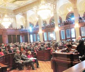 Illinois lawmakers listen to Gov. Pat Quinn during his State of the State address