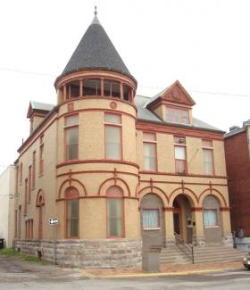 Fort Madison's former Cattermole Library