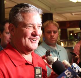 Illinois Treasurer Dan Rutherford speaks with reporters in this file photo from August 2013.