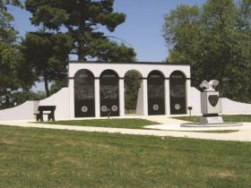 The Mississippi Valley Veterans Memorial will eventually resemble this memorial in Keokuk.