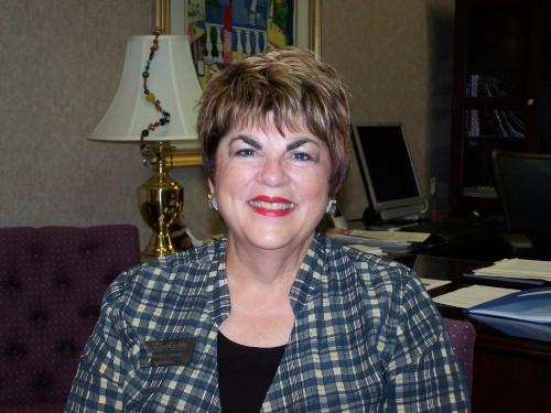 Dr. Beverly Simone is retiring as President of SCC.