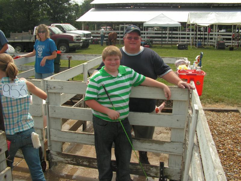 David and Hayden Brent between shows at the McDonough County 4-H Fair.