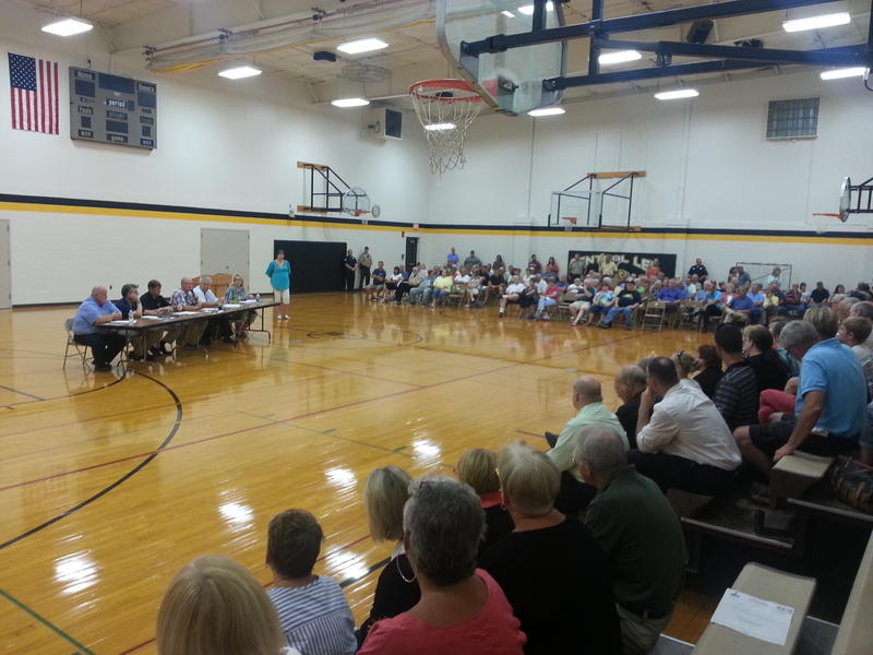 Several hundred residents turned out last fall when the Lee County Board of Supervisors considered a proposal to name Fort Madison as the lone county seat.
