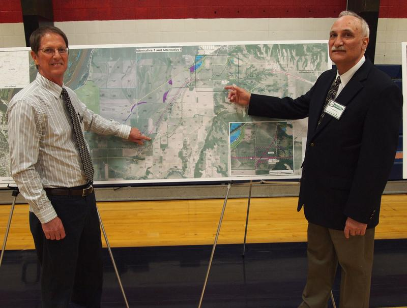 Tom Lacy of IDOT (left) and Project Manager Gary Baker of Amec Foster Wheeler with one of the maps displaying the options.