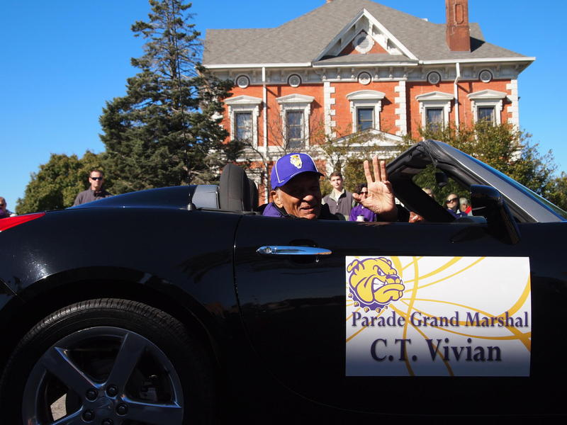 Civil rights activist C.T. Vivian in the 2015 WIU homecoming parade.