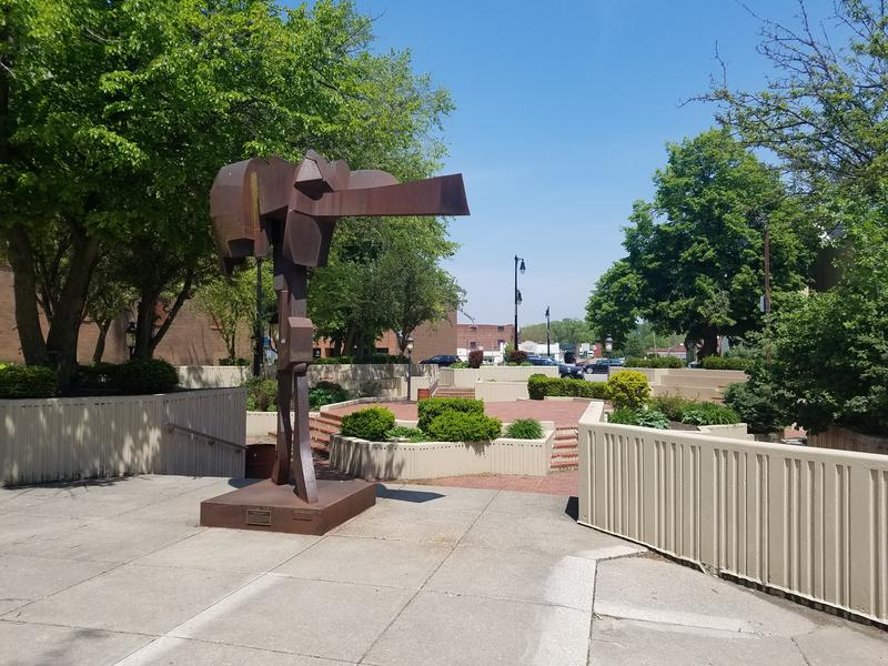 Park Plaza is the site of Cafe in the Park each summer in Galesburg.  It was built in the 1970's and is located on East Main Street.