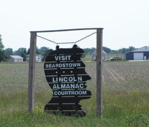 A tourism sign just outside Beardstown