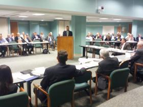 Pew Charitable Trusts' David Draine talks about pension reform with the Jacksonville Retirement Reform Task Force on Monday.