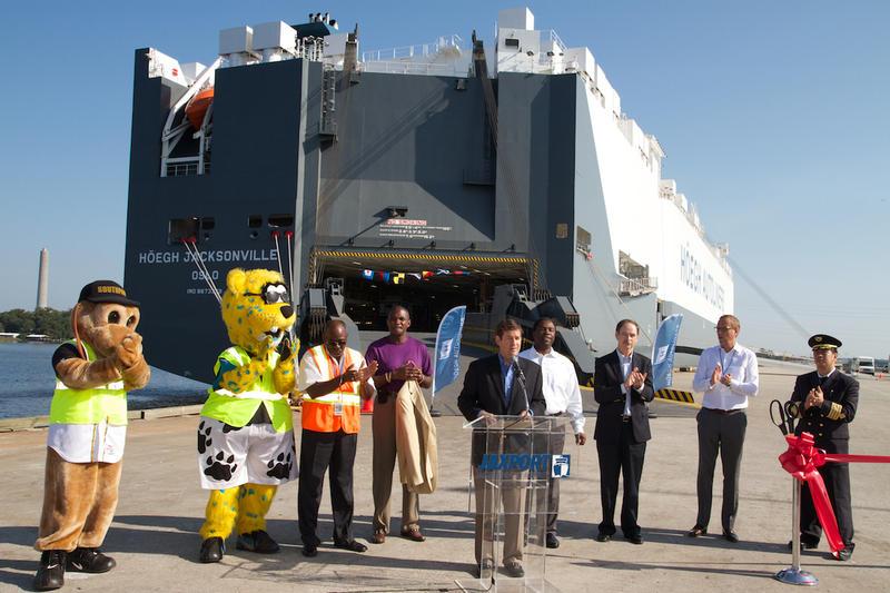 Officials unveil the new $70 million autoliner Höegh Jacksonville at JAXPORT on Aug. 22, 2014.