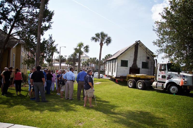 Crews move the 142-year-old Florida Oesterreicher/McCormick cracker-style cabin from Palm Valley to the Beaches Museum and History Park in Jacksonville Beach.