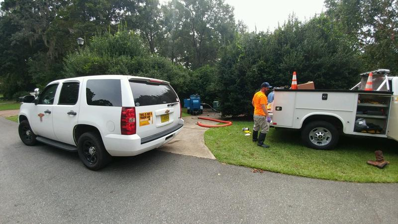 Workers from St. Augustine set up a temporary pump in Tallahassee over the weekend.