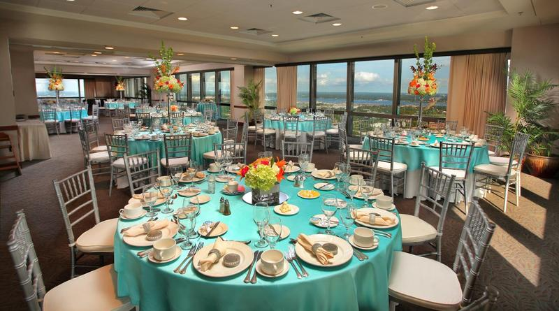 River Club dining room decorated for a wedding
