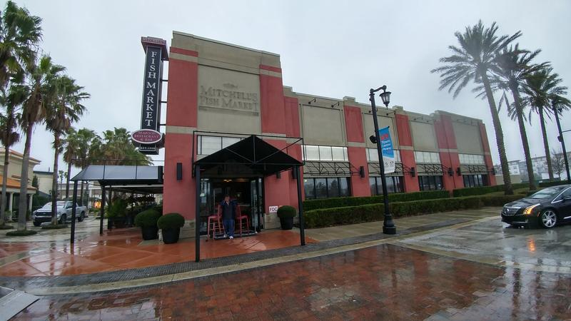 Mitchell 39 s fish market closes at st johns town center for Fish market jacksonville