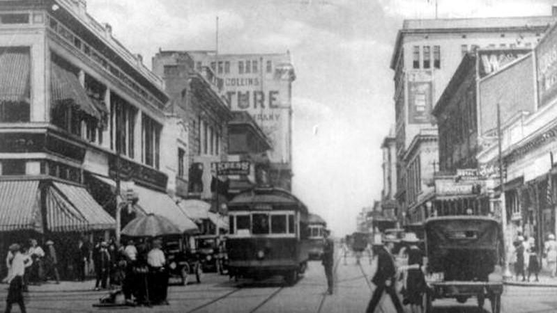 Forsyth Street between 1910 and 1929. The streetcars pictured here operated on the tracks of four companies: The Jacksonville Traction Company, The Duval Bridge Company, The South Jacksonville Municipal Railway, and the Ortega Traction Company.