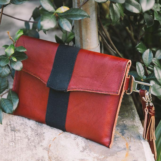 A photo of the Clutch Purse Red Leather.