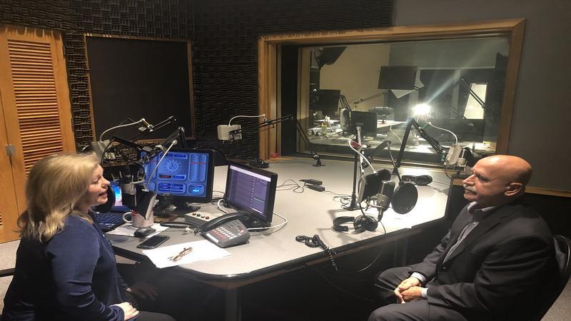 Melissa Ross (left) with Jon Heymann (right) in Studio 5.