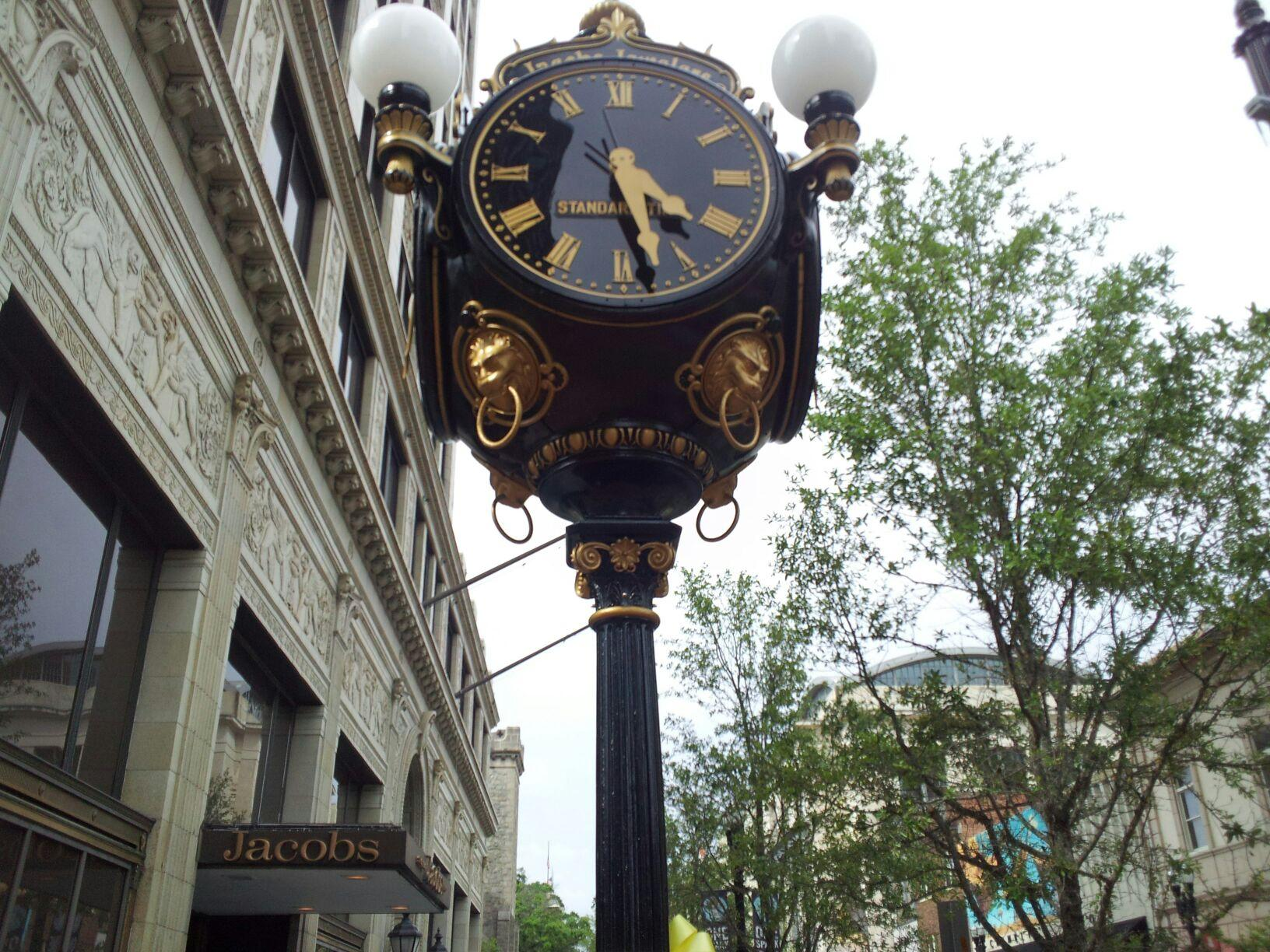 jacobs jewelers clock returns to downtown wjct news. Black Bedroom Furniture Sets. Home Design Ideas