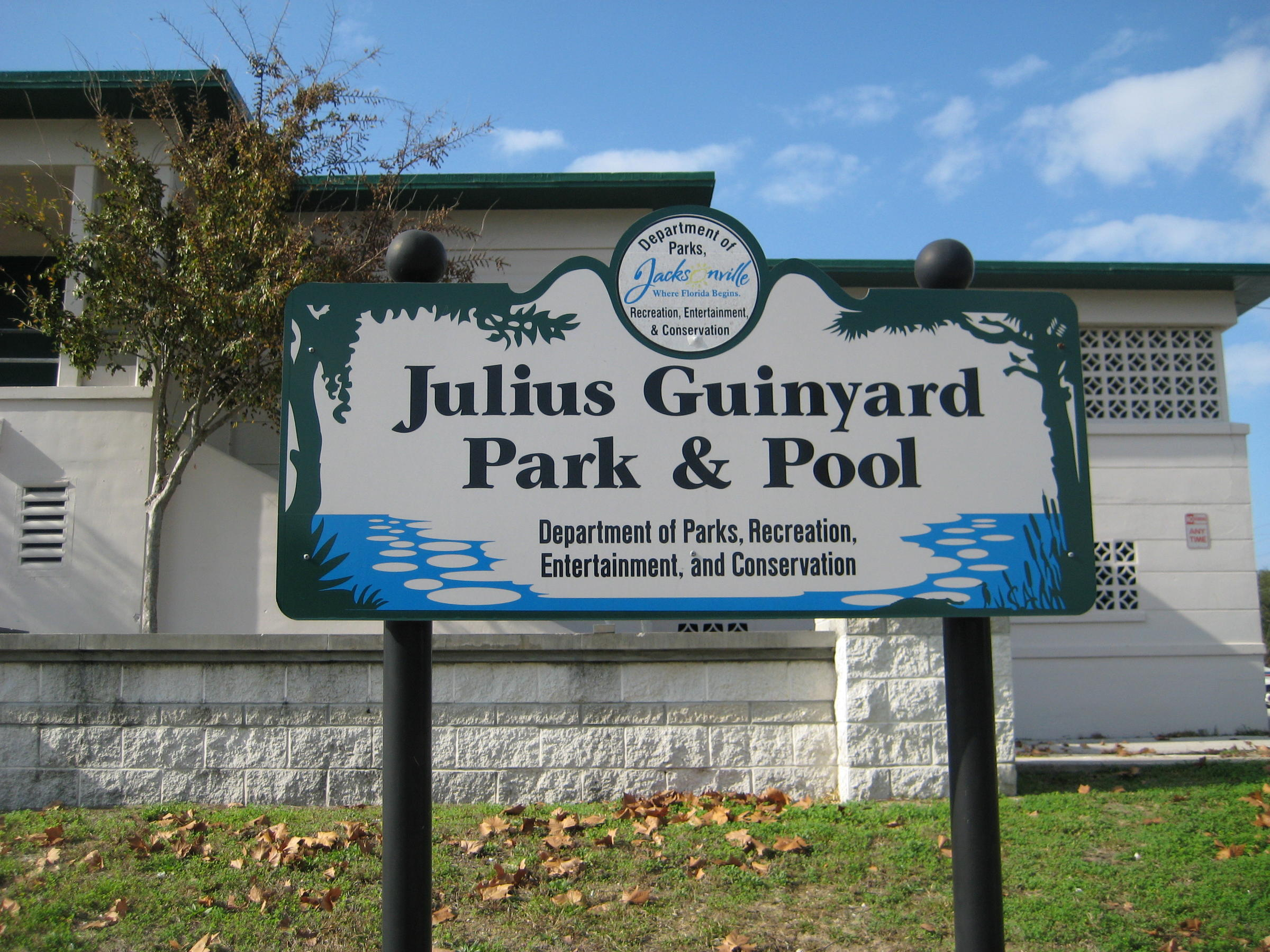 Jacksonville reopens outdoor pool to the public wjct news for Garden city pool jacksonville fl