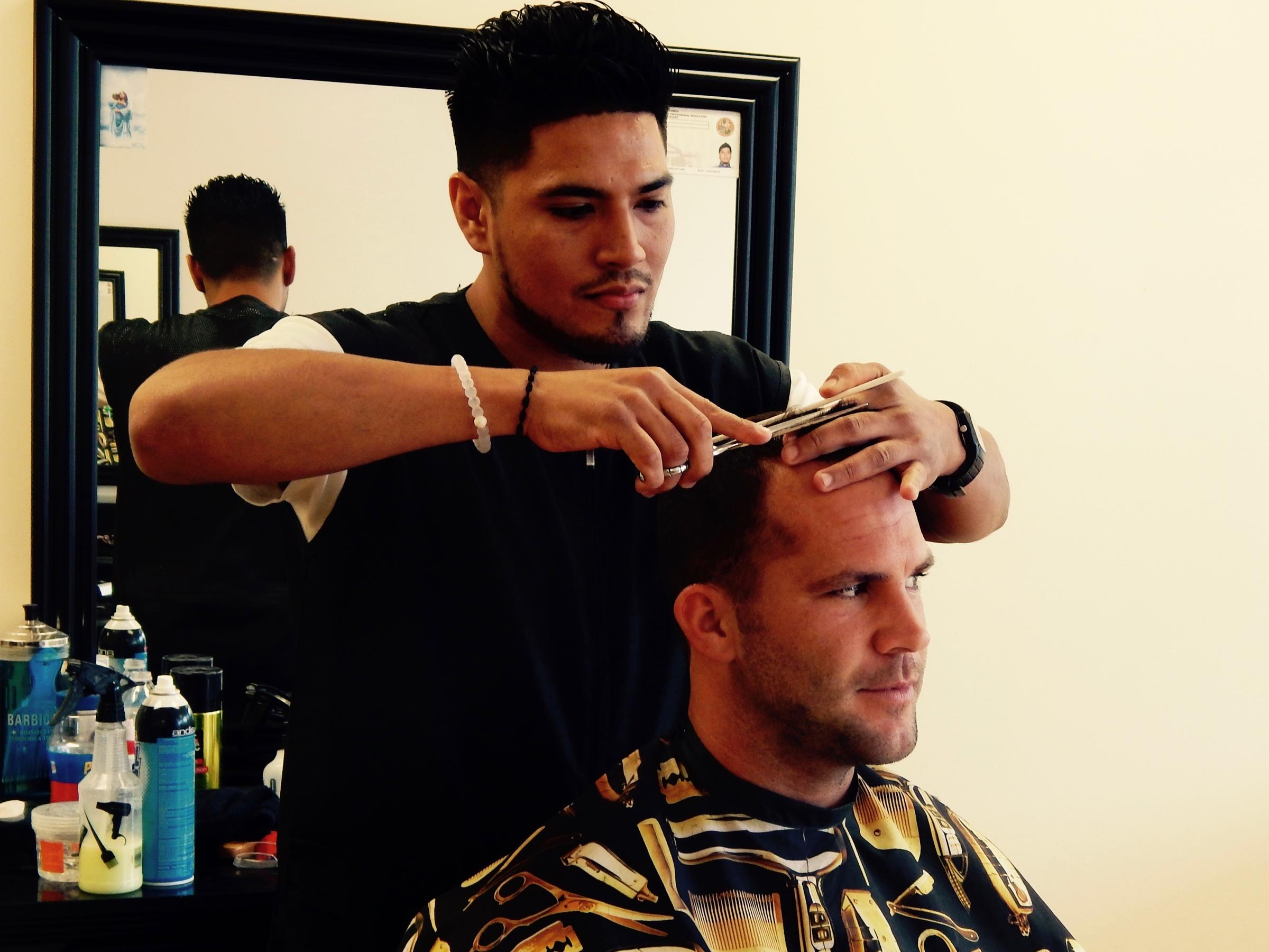 Look Good Play Great Jaguars Barber Contributes To Teams Success