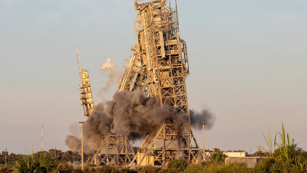 Watch The Two Historic Cape Canaveral Space Launch Towers Get Demolished