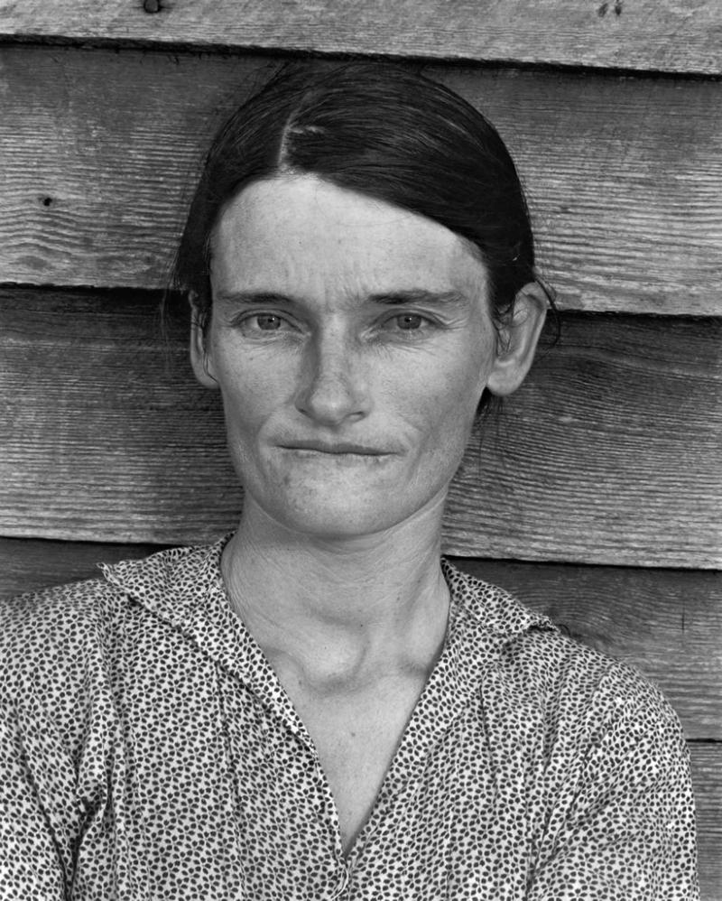 In the summer 1936, Evans worked with a friend on a photo project in Hale County, Alabama. They documented three families of tenant farmers.