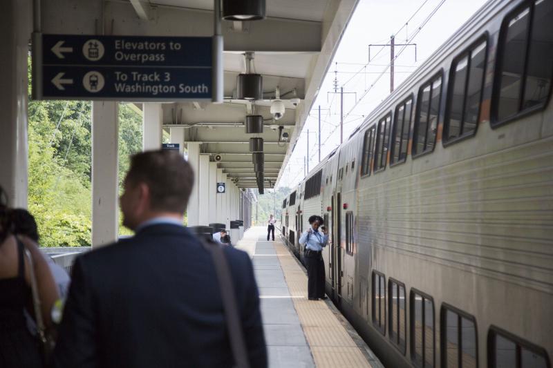 The Amtrak platform adjacent to Baltimore-Washington International Airport.