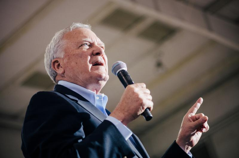 Complete Flooring Supply Corporation plans to build a manufacturing plant in Gordon County that will bring 100 jobs to the area, Gov. Nathan Deal said Monday.