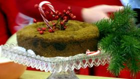 Learn how to make this Christmas coffee cake!