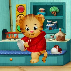 Daniel Tiger starts his day.