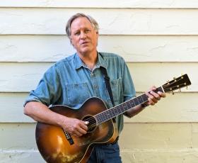Folk musician Tom Chapin