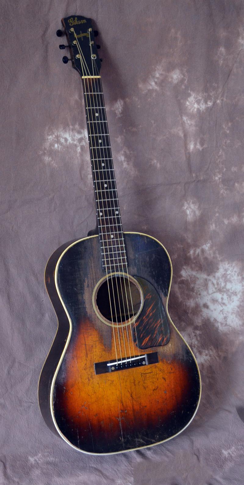 1942 Gibson guitar photo
