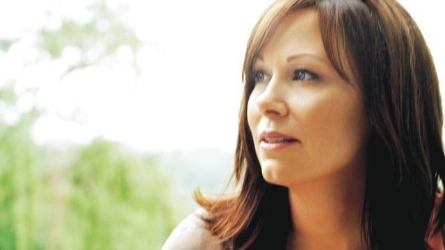 Suzy Bogguss will lead a sing-along of her favorite folk songs at the Mid-Winter Singing Festival.