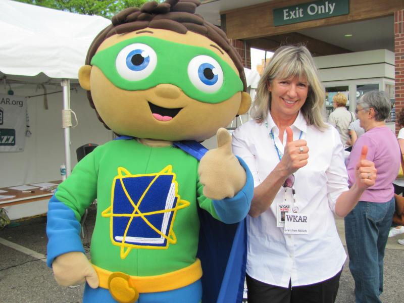 Portrait: Gretchen Millich and Super WHY!