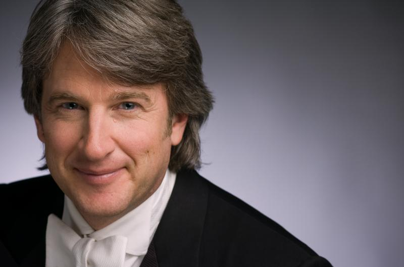 LSO Music Director and Conductor Timothy Muffitt
