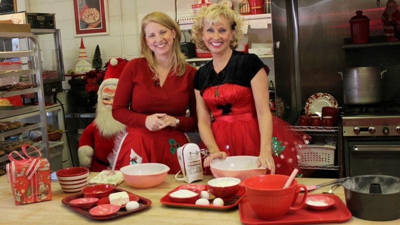 Susi Elkins and Linda Hundt in the kitchen!