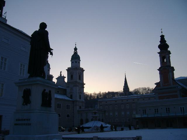 Mozart Square, evening, January 2006