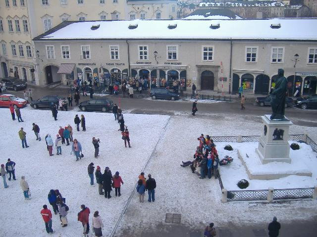 Mozart Square, morning, January 27, 2006