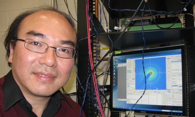 Dr. Chong-Yu Ruan is leading an MSU team developing new ultra-fast microscope technology.