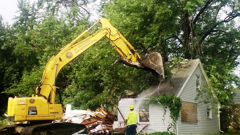Lansing home demolition photo