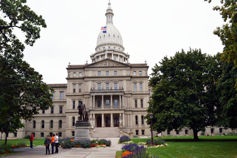 picture of the Michigan Capitol Building