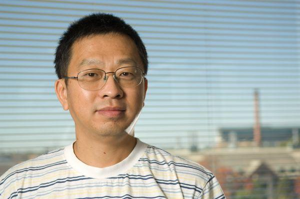 Dr. Yong-Hui Zheng photo