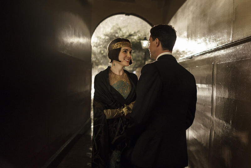 Scene from Ep. 6 (l-r) Shown from left to right: Michelle Dockery as Lady Mary and Matthew Goode as Henry Talbot
