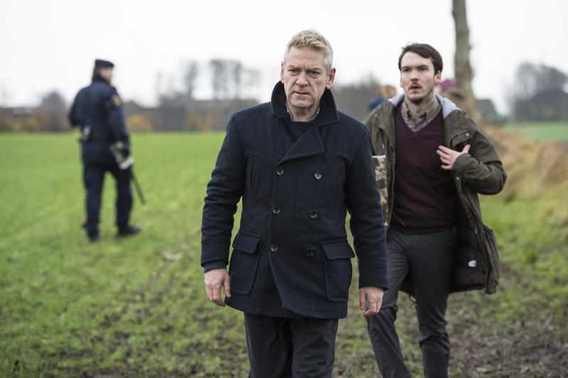 Scene from Ep. 2 (l-r): Sir Kenneth Branagh Kurt Wallander and Joe Claflin as Eliasson