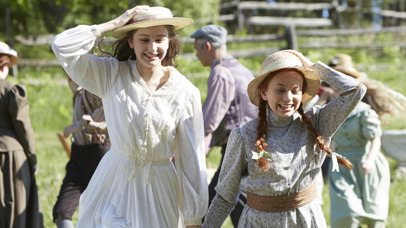 (l-r): Julia Lalonde as Diana Barry and Ella Ballentine as Anne Shirley