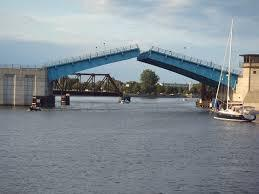 Liberty Bridge, Bay City
