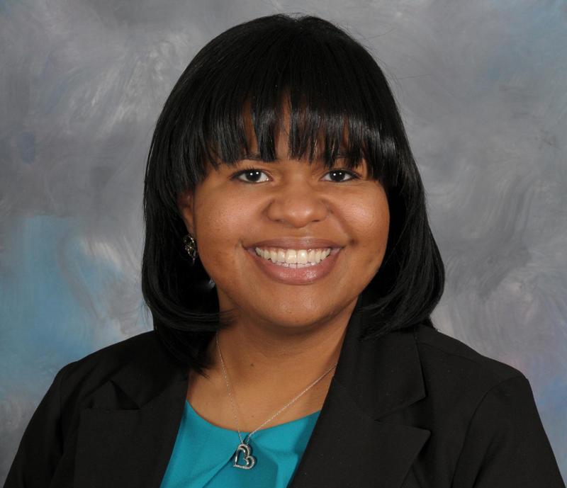 Headshot of Rachel Lewis