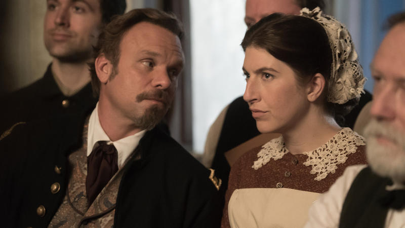 Mercy Street S2: Hale and nurse